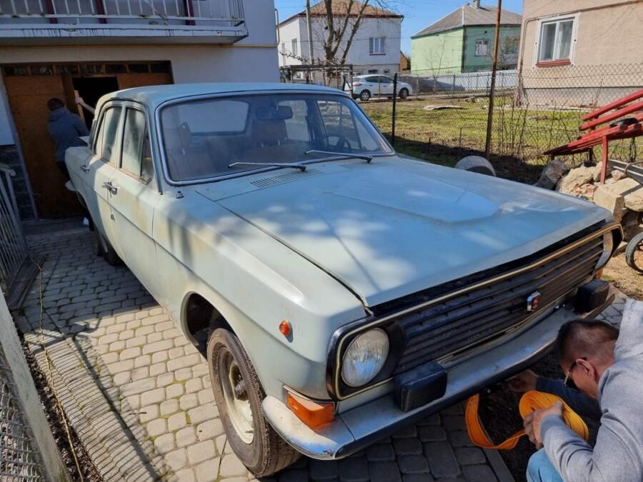Хранил для внуков: в Украине нашли редкий седан с минимальным пробегом 1